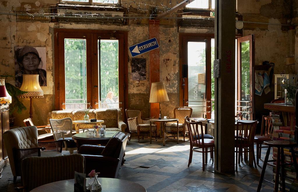 Hutmacher Café