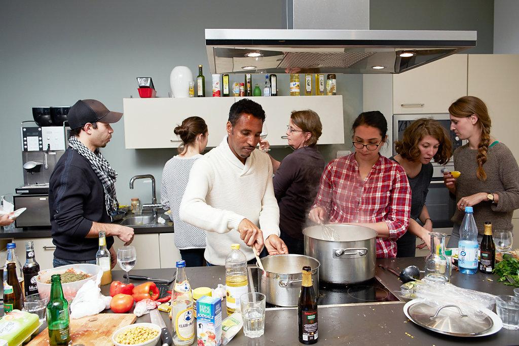 Kochen-fluchtlingsprojekt-zeit-online-1.jpg